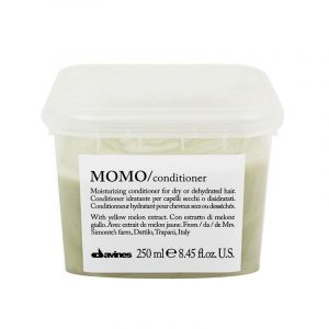 Momo Conditioner Roman Friseur Wels Haarkult Trachten Wels Lederjacke