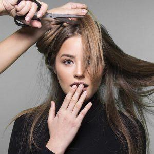 Kopfhaut und Haarausfall behandeln mit Produkten von Roman Haarkult
